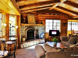 Moose Haus: Beautiful Big Bear Log Cabin with Pool Table and Spa - Big Bear Area vacation rentals