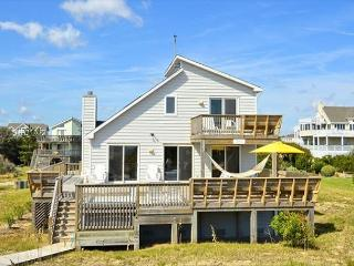 WH1019- RUGGLES- 3BDRM OCEANFRONT W/ HOT TUB! - Corolla vacation rentals
