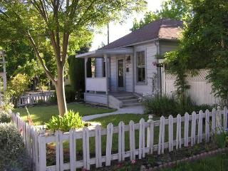 Historic Downtown Mountain View Home - Mountain View vacation rentals