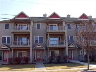 LARGE CONDO WITH POOL 124227 - Cape May vacation rentals