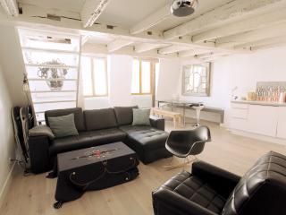 Duplex rue des Rosiers - Paris vacation rentals