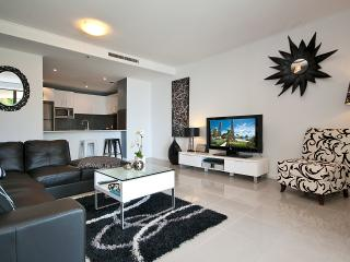 WOW FACTOR, 5 STAR PROPERTY - OCEAN. VIEWS - Surfers Paradise vacation rentals