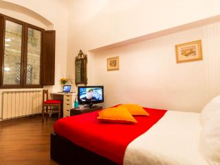 Maison Orange (room with private bathroom) - Florence vacation rentals