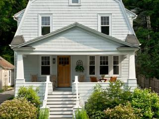 Be Home in Northampton's Smith College Area - Central Massachusetts vacation rentals