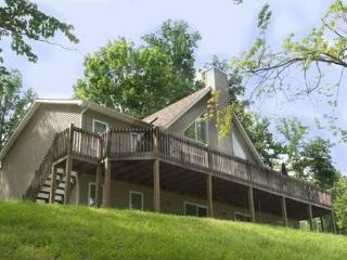 Vflyer is a spacious Lakeview Vacation Home at Deerfield Resort on Norris Lake. - Norris vacation rentals
