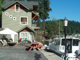 Lake Pend Oreille getaway with a private hot tub & dock! - Sagle vacation rentals