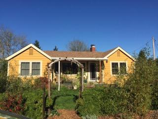 renovated bungalow near university and river park - Corvallis vacation rentals