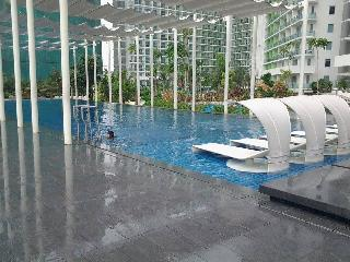Azure Urban Resort - Paranaque vacation rentals