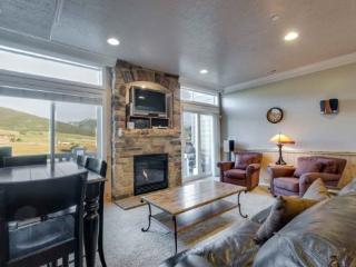 Snowbasin View Huntsille Condo| Luxury 2 Bedroom | Lakeside Unit 41 - North Ogden vacation rentals