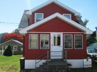 15 Weymouth - The Perfect Ocean Park Beach Cottage Now Taking Reservations for the 2015 Summer Season - Biddeford vacation rentals