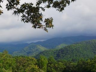 Smoky Mountain Majesty - Murfreesboro vacation rentals