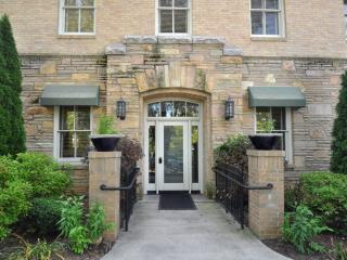 Biltmore Village Villas - Gorgeous Condo in the Heart of Biltmore Village - Candler vacation rentals