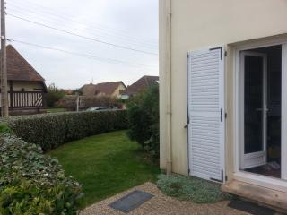 Frontbeach with garden on the Dday beaches - Basse-Normandie vacation rentals