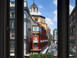 Garibaldi,  Bright, Spacious apartment - Naples vacation rentals