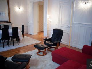 Secret Neuilly - 3 bedrooms - Neuilly-sur-Seine vacation rentals