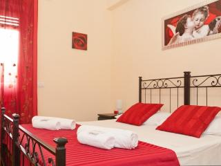 Gianicolense 3 bedroom - Roma vacation rentals