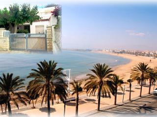Villa pour 8-12 personnes à 30 m de la plage - Cambrils vacation rentals