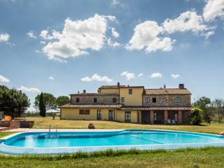 CASA D'ERA COUNTRY HOLIDAY HOUSE Flat Butterly - Lajatico vacation rentals