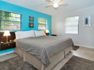Audrey Place Unit 3 Bright 600sf 1BR/1BA apt - Sunrise vacation rentals