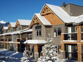 Rocky Mountain Getaway Near Canmore - Alberta vacation rentals