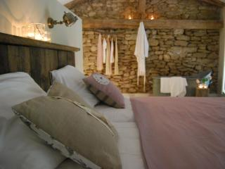 Bassiviere Barn Chic Boutique Apartments - Fongrave vacation rentals