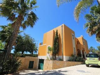 Villa Diamond, poll and garden - Guia vacation rentals