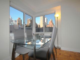 Prime Upper East Side Luxury 2 Bedrooms Doorman - New York City vacation rentals