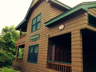 Deer Park Studio Vacation Condo sleeping 4 with free shuttle to Loon Mountain - North Woodstock vacation rentals