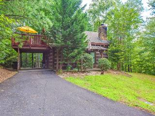 2 Bedroom Gatlinburg Cabin w/ Private Hot Tub - June Deals from 99! Sleeps 4. - Pigeon Forge vacation rentals