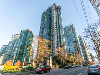 LIONS Luxury 1 Jr Br, Best DT Location Fr $95/nt - Vancouver vacation rentals