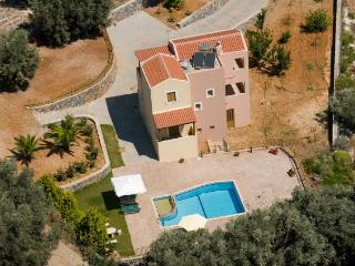 Beautiful villa with stunning views close to all amenities. - Rethymnon vacation rentals