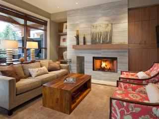 Luxury Fitzsimmons Walk home - walk to Whistler village - Whistler vacation rentals