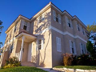 Executive 4 Bedroom Town Home in Beautiful Nassau - Nassau vacation rentals