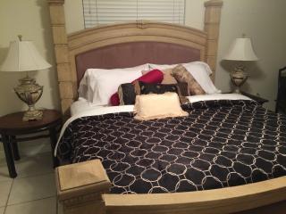 2 bd Elegant Single Family Home near Siesta Key - Sarasota vacation rentals