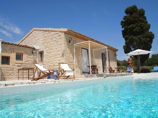 Holiday Villa Menfi Scicli, sun, sea & history - Scicli vacation rentals