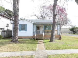 Excellent Prices on Festivals, Mardi Gras, Bayou C - New Orleans vacation rentals