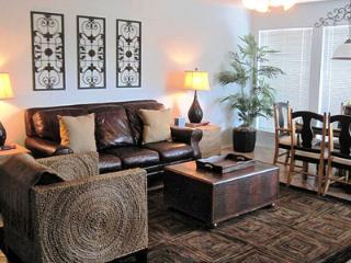 2bdrm/2bth on Guadalupe! 2 pools & 4 hot tubs!! - New Braunfels vacation rentals
