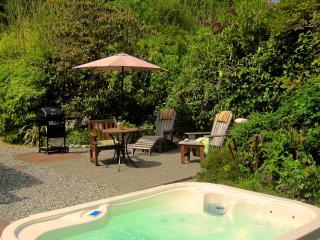 Surf Shack Cabin Hottubing & Surfing at Chesterman - Tofino vacation rentals