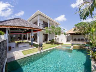 Villa Seratus luxury 3 Bedroom villa with 50m pool - Ungasan vacation rentals