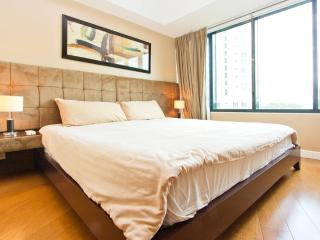 1BR Loft Apartment OneRockwell East - Luzon vacation rentals