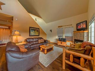 Cozy Cabin in Roslyn Ridge!  Slps 8 | Summer Specials | WiFi - Ronald vacation rentals