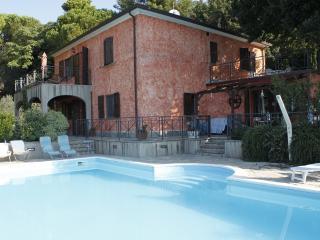 Appartamento in villa  Toscana con piscina - Castellina Marittima vacation rentals