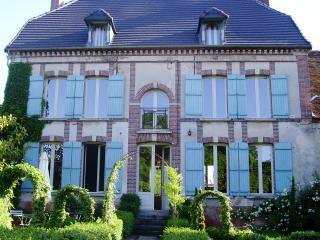 AUPRES DE L'EGLISE - Épernay vacation rentals