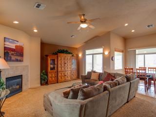 Quiet & Peaceful 3 Bedroom Condo on Top Floor in t - Southwestern Utah vacation rentals