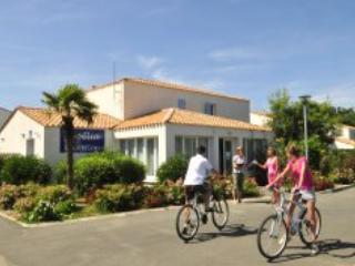 Palmeraie Villa 6 - ile d'Oleron island - Image 1 - Ile d'Oleron - rentals
