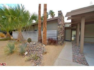True Mid Century Modern - Palm Springs vacation rentals