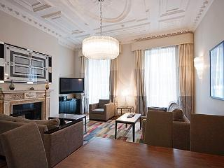 2 Bedroom apartment in the heart of Mayfair - London vacation rentals