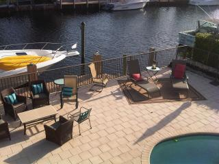 Waterfront Pool House with Dock! Lighthouse Point - Boca Raton vacation rentals