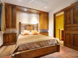 Casa del Reloj - El Ático - Medellin vacation rentals