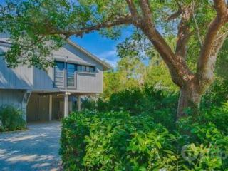 Beautiful Gulf Pines Home - Short walk to beach in lovely secluded setting - Sanibel Island vacation rentals